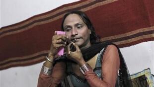 Estima-se que na Índia vivam cerca de dois milhões de transexuais, os chamados Hijras, originários de todas as castas.