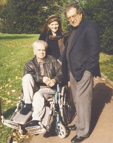 Эдисон Денисов в больнице в Париже с композитором Лучиано Берио и дочерью Катей. Октябрь 1994 г.