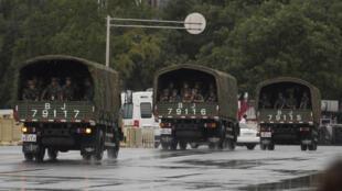 Le 1er septembre 2015, la sécurité est renforcée par la présence des militaires aux abords de la place Tiananmen pour les commémorations du 70e anniversaire de la capitulation du Japon.