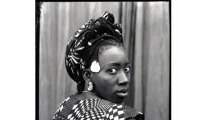 Seydou Keïta, Sans titre, 1952/55, tirage argentique moderne.