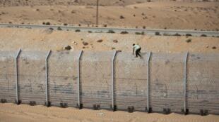 La frontière israélo-égyptienne. Les relations entre l'Egypte et Israël n'ont de cesse de se détériorer.