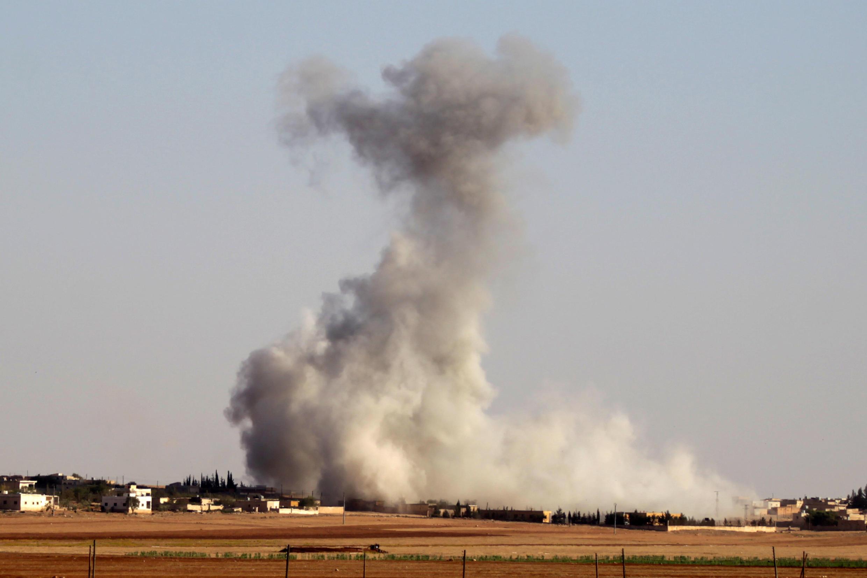 دفتر نخست وزیر عراق با انتشار بیانیهای نوشت که این حمله هوایی پایگاهی را که مورد استفاده فرماندهان داعش بود در جنوب شهر دشيشه واقع در صحرای سوریه هدف قرار داد. - تصویر آرشیوی
