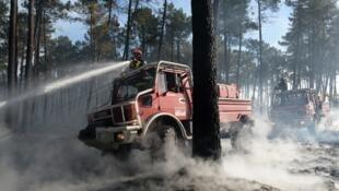 Mais de 600 bombeiros lutaram contra as chamas durante quatro dias
