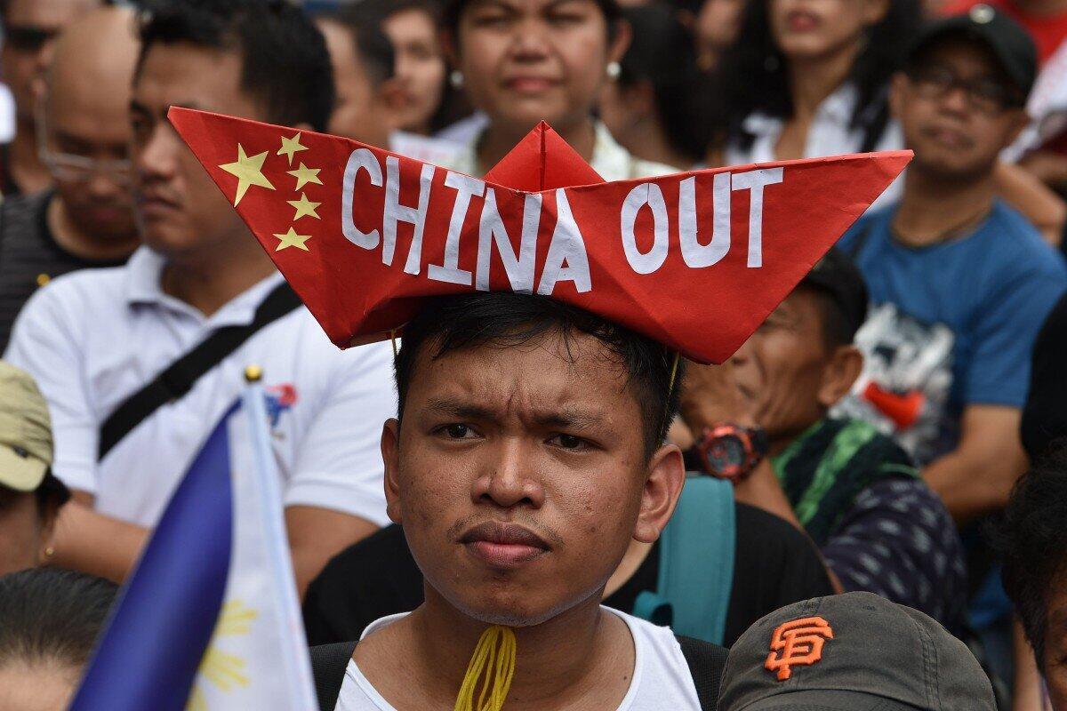 菲律賓民眾近期於馬尼拉中國大使館前抗議資料圖片