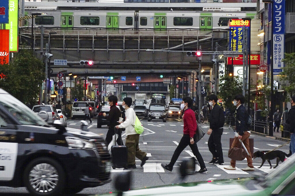 Người Nhật đang rất lo ngại đợt dịch Covid-19 thứ 3 bùng lên cùng với dịch cúm mùa. Tokyo ngày 03/11/2020.