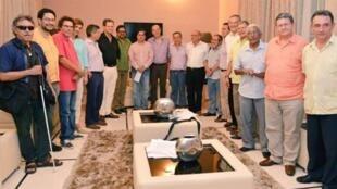Negociadores del gobierno y las FARC en La Habana, la víspera del histórico anuncio del acuerdo de paz final y definitivo, La Habana, 23 de agosto.