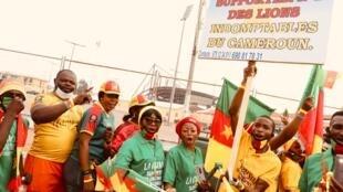 Les supporters camerounais impatients de retrouver leurs Lions indomptables.