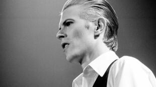 Foto de David Bowie nos anos 1970.