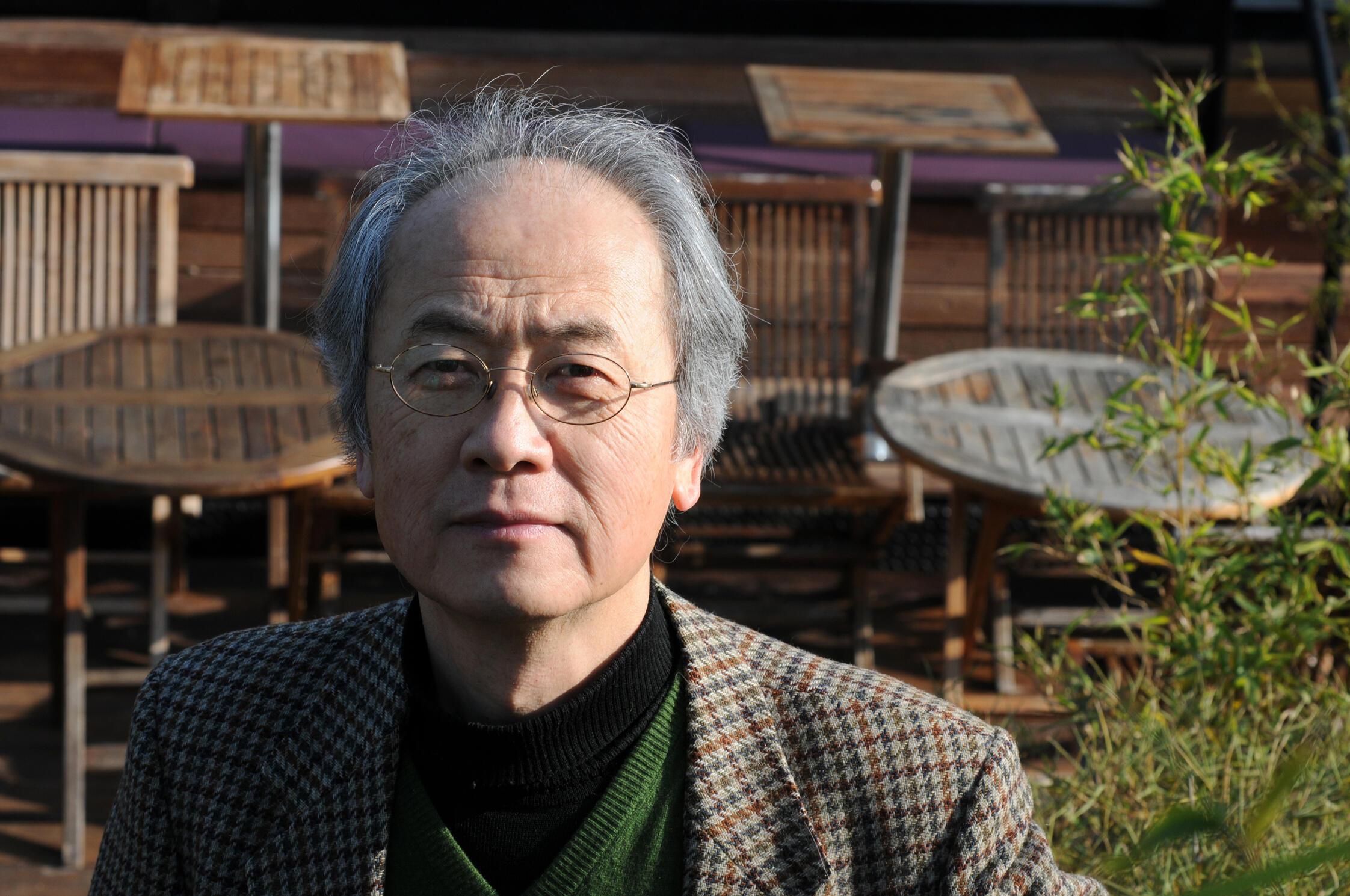 L'écrivain Akira Mizubayashi.