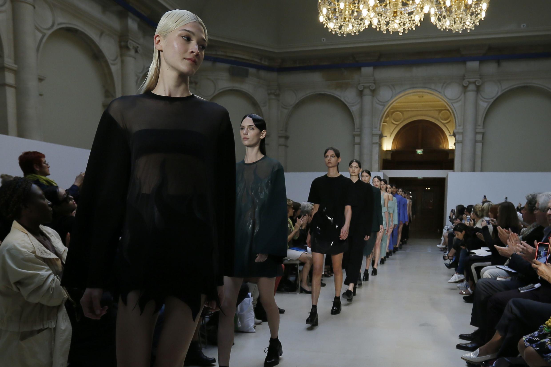 Coleção da francesa Lea Peckre na Fashion Week Primavera-Verão 2014-2015, em Paris.