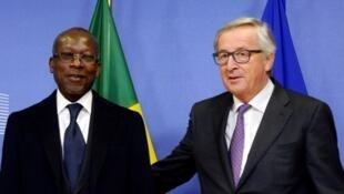 Le président béninois Patrice Talon (g) et le président de la Commission européenne Jean-Claude Juncker, jeudi 8 décembre 2016, à Bruxelles.