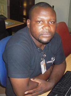 """Adão Ramos, um dos organizadores da """"Caminhada pela Inclusão"""", hoje em Luanda"""
