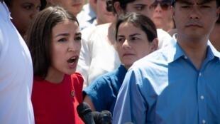 美国国会最年轻的民选代表  ̖ 民主党籍众议员 摄于2019年7月1日 Alexandria Ocasio-Cortez USA: L'élue démocrate, la représentante de New York au Congrès: Alexandria Ocasio-Cortez, le 1er juillet 2019.