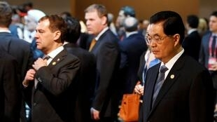 Shugaban China Hu Jintao tare da Fira Ministan Rasha na yanzu Dmitry Medvedev