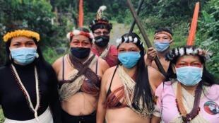 La Confédération des nationalités indigènes de l'Amazonie Équatorienne a décidé d'utiliser la technologie, via à une plateforme dédiée, pour suivre la progression du Covid-19 dans ses communautés, notamment les plus isolées.