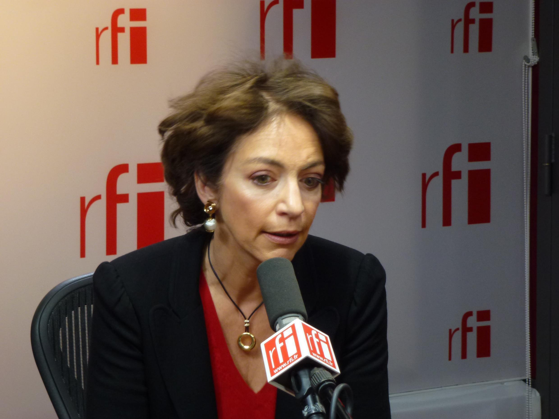 A ministra da Saúde, Marisol Touraine, determinou a abertura de investigação sobre eventuais falhas na fiscalização das próteses da marca Ceraver.