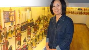 «J'ai fabriqué au total 1 228 figurines en hanji, le papier traditionnel coréen. Toutes ont des visages différents», assure l'artiste Yang Mi-yong.