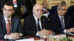 Le Premier ministre irakien Haïdar al-Abadi lors d'une conférence de presse à Paris pour l'ouverture d'un sommet consacré à la stratégie de lutte contre les jihadistes, le 2 juin 2015.