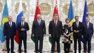 8月26日,俄罗斯、乌克兰、哈萨克斯坦、白俄罗斯首脑和欧盟代表在明斯克会晤。