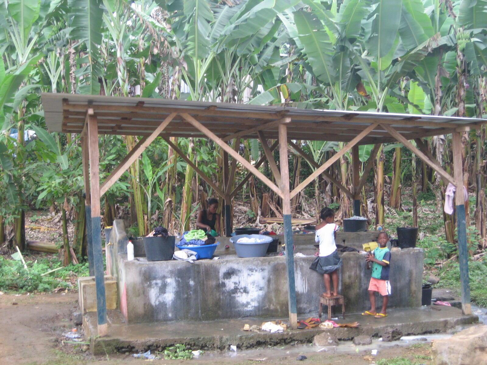 Lavadouro psblico em São Tomé