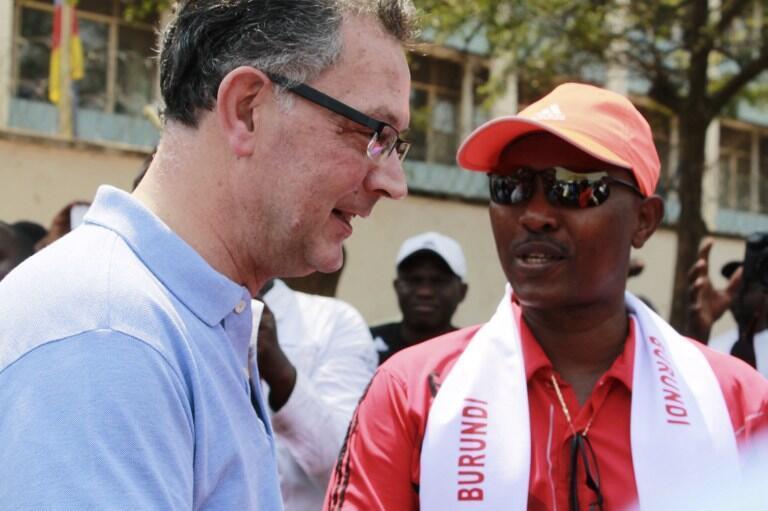 Freddy Mbonimpa, the Mayor of Bujumbura, talks to Gerrit van Rossum, France's Ambassador to Burundi, following a protest outside the French embassy in Bujumbura, 30 July 2016.