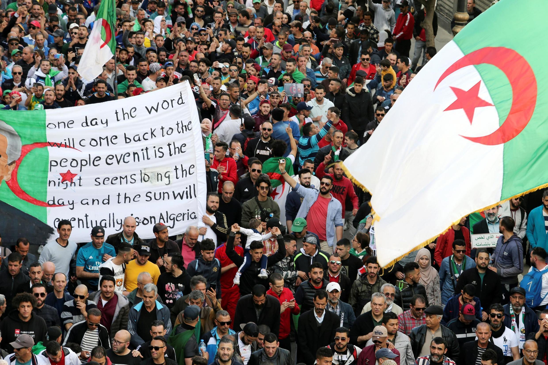 Manifestation anti-gouvernementale à Alger, le 28 février 2020.