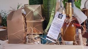 Beaucoup ont à cœur d'offrir des cadeaux respectueux de l'environnement, que ce soit pour les emballages ou pour le contenu.