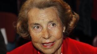 A justiça francesa decidiu colocar Liliane Bettencourt, herdeira do grupo l'Oréal, sob a tutela de seu neto mais velho.