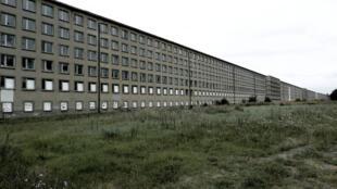 Le colosse de Prora, bâtiment datant du IIIe Reich, station balnéaire de l'île de Rungen, au nord-est de l'Allemagne, sur les rives de la mer Baltique.