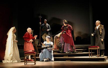 """Valérie Karsenti, Michel Bouquet, Jacques Échantillon, Nathalie Niel, Juliette Carré et Jacques Zabor dans """" Le Roi se meurt"""" (Mise en scène de Georges Werler, 2004)."""