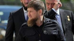 Mamikhan Oumarov était un opposant de Ramzan Kadyrov, photographié ici lors d'une cérémonie au Kremlin, le 7 mai 2018.