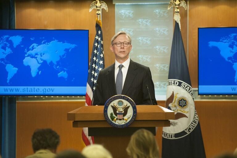 """برایان هوک، به عنوان رئیس """"گروه اقدام ایران""""، پس از اعلام تشکیل این گروه، به پرسش خبرنگاران پاسخ میدهد. واشنگتن. پنجشنبه ۲۵ مرداد/ ۱۶ اوت ٢٠۱٨"""