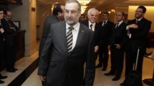 Le ministre des Affaires étrangères paraguayen, Jorge Lara Castro, à son arrivée à un petit déjeuner de travail au sommet du Mercosur, à Montevideo, le lundi 19 décembre 2011.