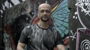 O DJ paulista Renato Lopes.