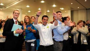Les supporters du «non» fêtent les résultats du référendum sur le vote alternatif en Grande-Bretagne, le 6 mai 2011