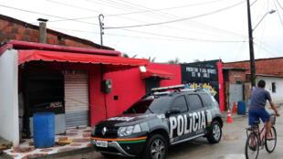 La façade du bal populaire où la fusillade s'est déroulée au Brésil, à Fortaleza, le 27 janvier 2018.
