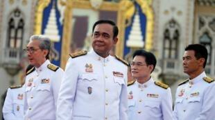 Thủ tướng Thái Prayuth Chan O Cha và tân nội các, Bangkok ngày 16/07/2019.