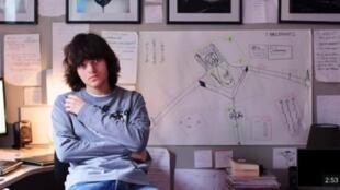 Boyan Slat, chàng trai ước mơ giải thoát các đại dương khỏi rác nhựa.