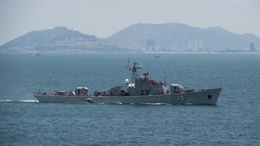 """Hộ tống hạm Courbet của Pháp ghé Việt Nam hồi tháng 4/2017, trong khuôn khổ """"chiến dịch"""" Jeanne d'Arc."""