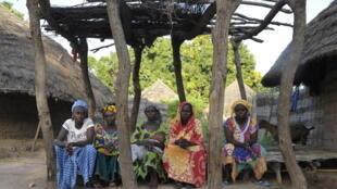 Femmes dans un village de Casamance.