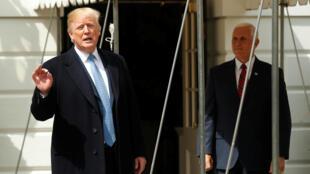 Le président Donald Trump s'exprimant sur la Corée du Nord depuis le perron de la Maison Blanche, vendredi 27 avril. A son côté, le vice-président Mike Pence.