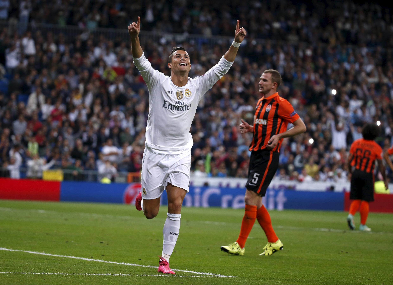 Cristiano Ronaldo , nyota wa Real Madrid aliyefunga mabao mawili dhidi ya Sporting Gijón.