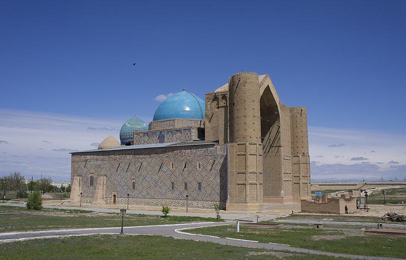 Мавзолей Ходжи Ахмеда Ясави в городе Туркестане, Казахстан