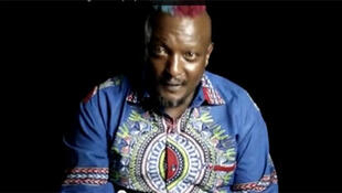 l'écrivain kenyan Wainaina Binyavanga (Capture d'écran).