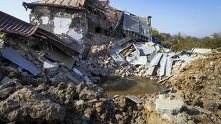 Une maison détruite par un bombardement azerbaidjanais à Shushi, dans la banlieue de Stepanakert, capitale du Haut-Karabakh, le 29 octobre 2020.