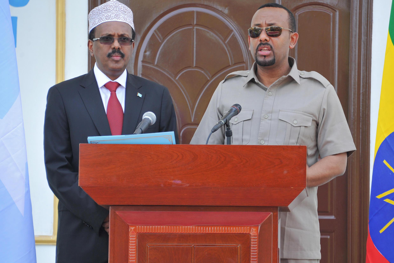 Après sa visite à Addis Abeba, le président somalien Farmajo (G) s'est rendu à Nairobi avec le Premier ministre éthiopien, Abyi Ahmed (photo d'archives).