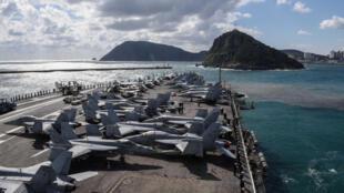 """美海军""""里根号""""航母资料图片"""