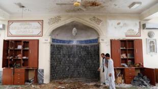 """مشهورترین مسجد کابل، مسجد """"شیرشاهسوری""""، امروز جمعه ۲۳ جوزا (خرداد)/ ۱۲ ژوئن، در جریان نماز جمعه منفجر گردید. گروه طالبان مسئولیت این رویداد را نپذیرفته و آن را نکوهش کردهاند"""