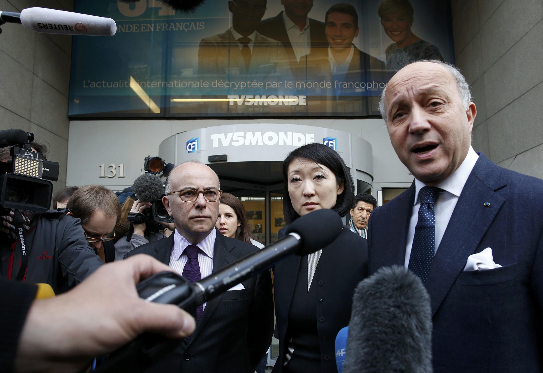Plusieurs ministres français se sont rendus dans les locaux de TV5Monde ce 9 avril.