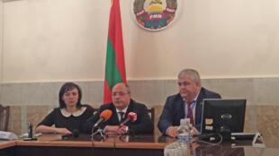 Глава ЦИК Елена Городецкая, депутат Госдумы Сергей Гаврилов и Казбек Тайсаев (слева направо),